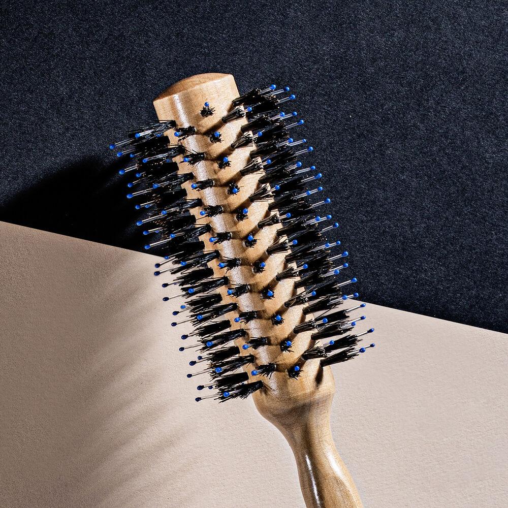 The Blow-Dry Brush N°2
