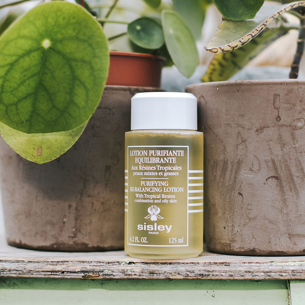 Purifying Re-Balancing Lotion with Tropical Resins