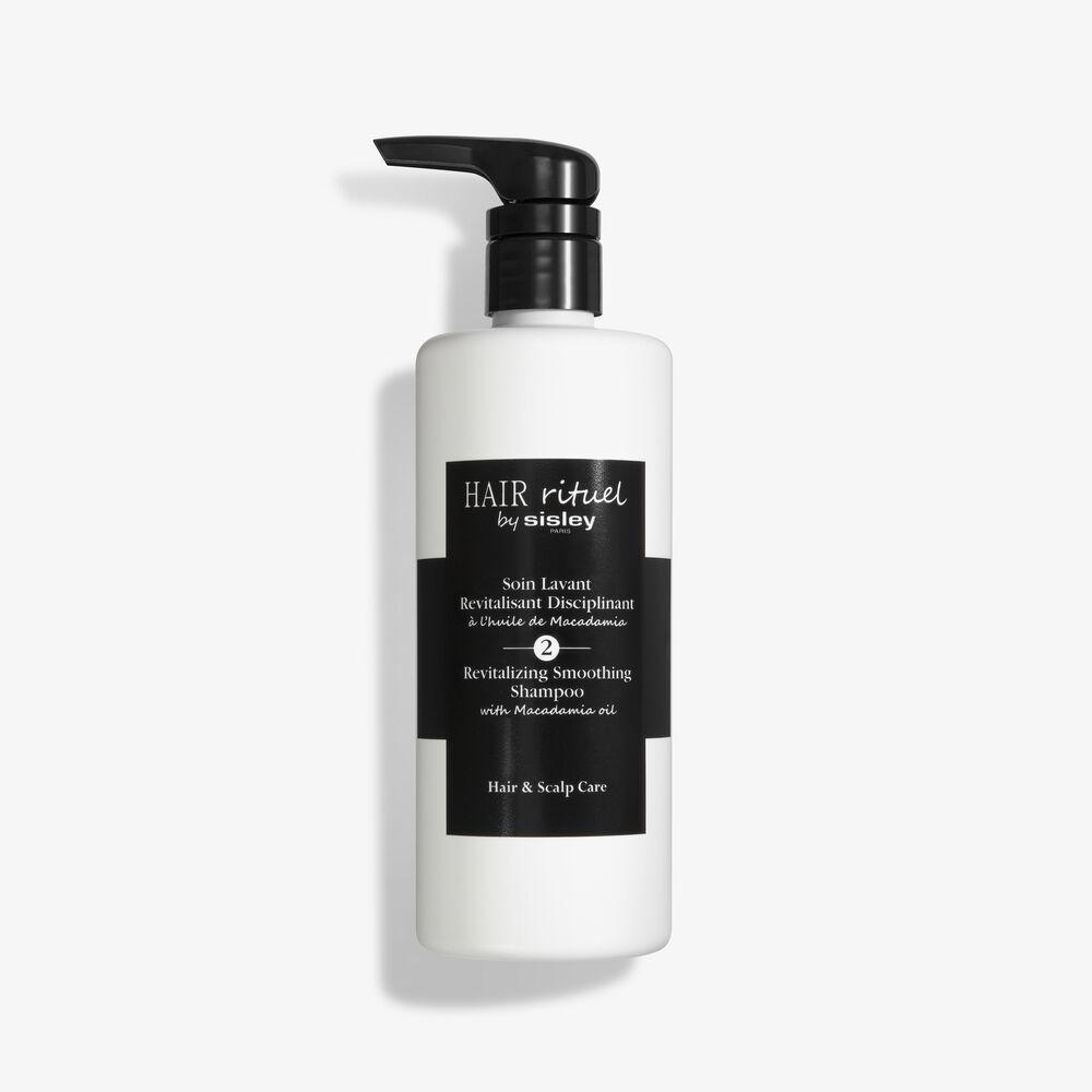 Revitalizing Smoothing Shampoo with Macadamia oil